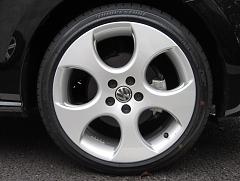 120121polo_wheel.jpg